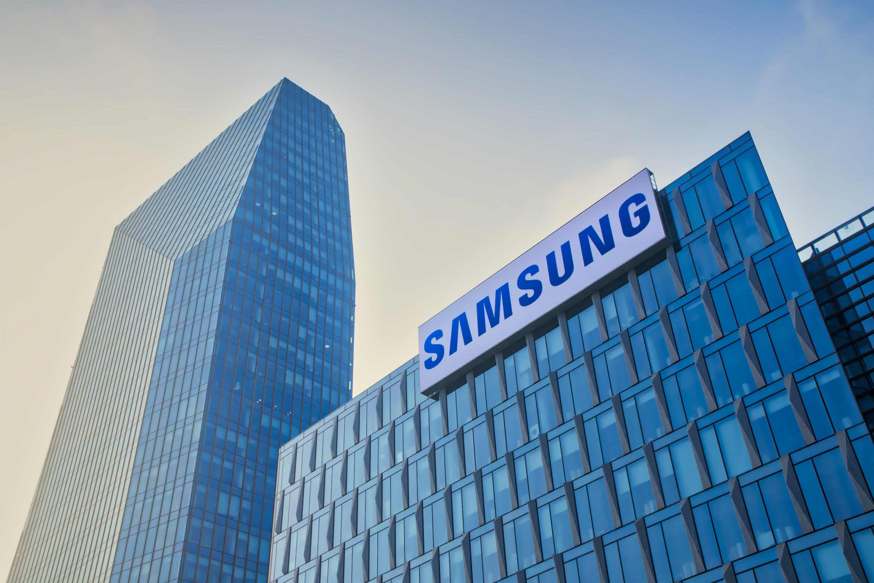 Samsung Launches Galaxy Note 10 'KlaytnPhone' Blockchain Variants